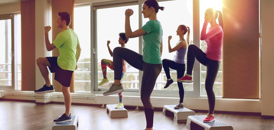 step-coreografico-corso-esercizi-palestra-lecce-alma-sport-benessere-fitness